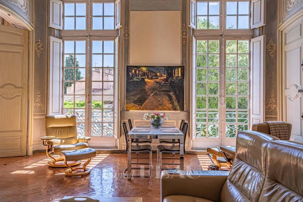 Aix en Provence  -  A superb apartment in a prime location