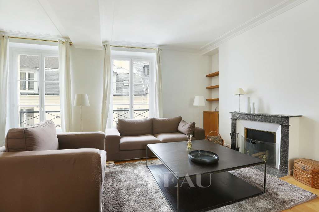 Paris 7th District – A superb 3-bed split-level apartment - Saint-Thomas d'Aquin