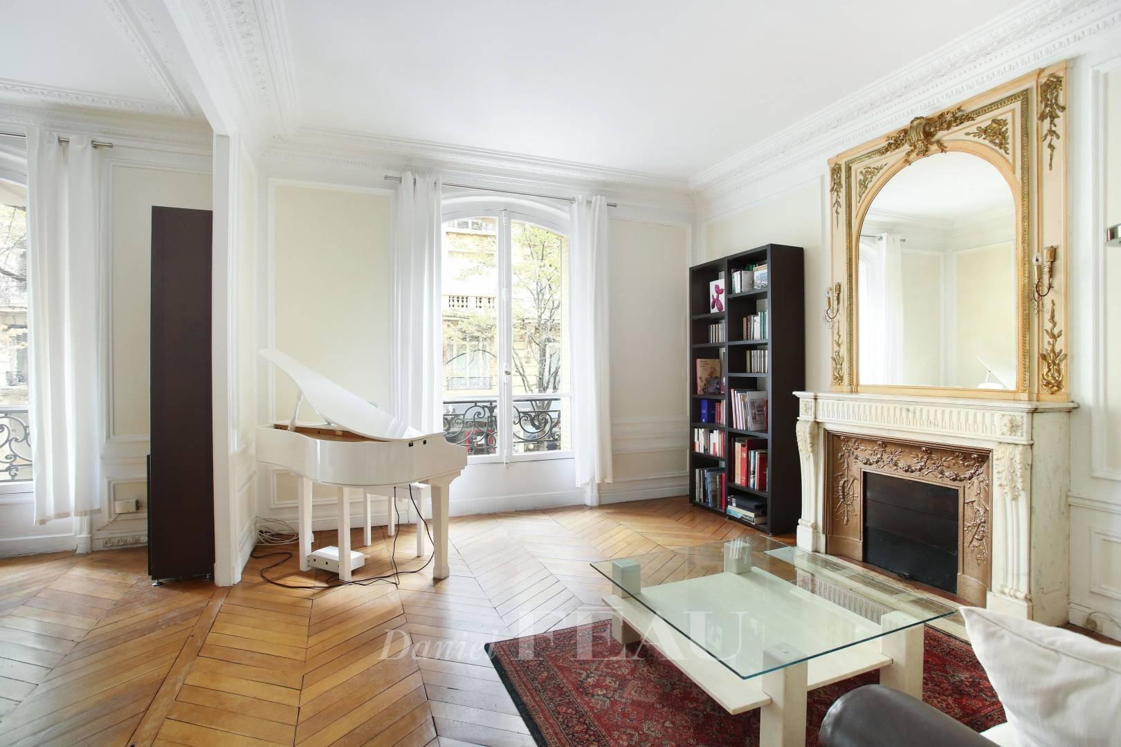 Salon Parquet Cheminée