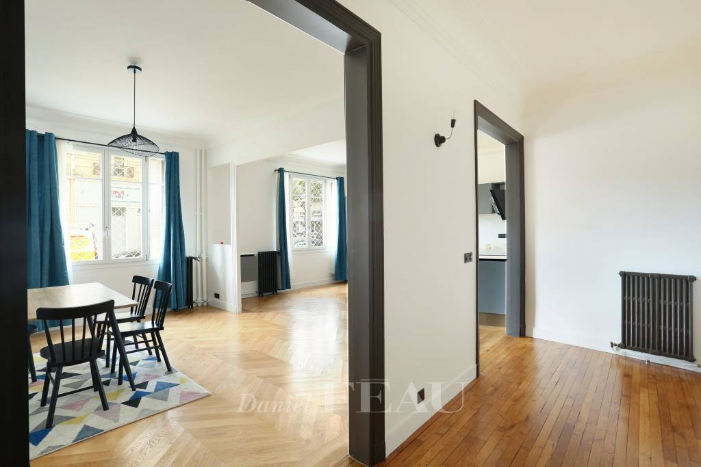 Paris 16th District – A near 100 sqm three-bed apartment