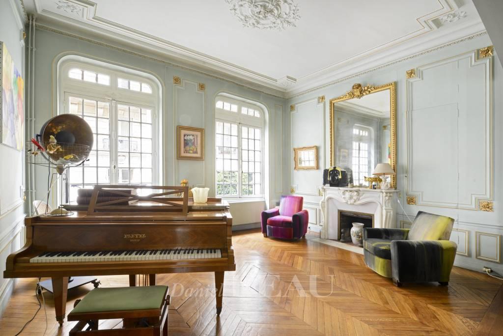 Play room Wooden floor