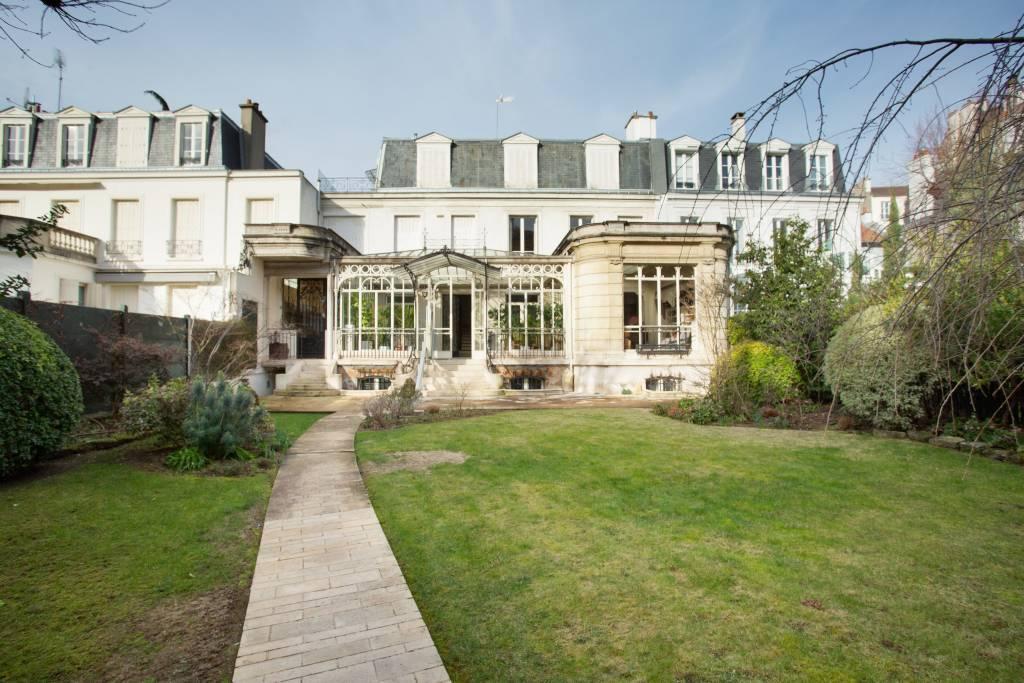 Sale Mansion Paris 16th Auteuil