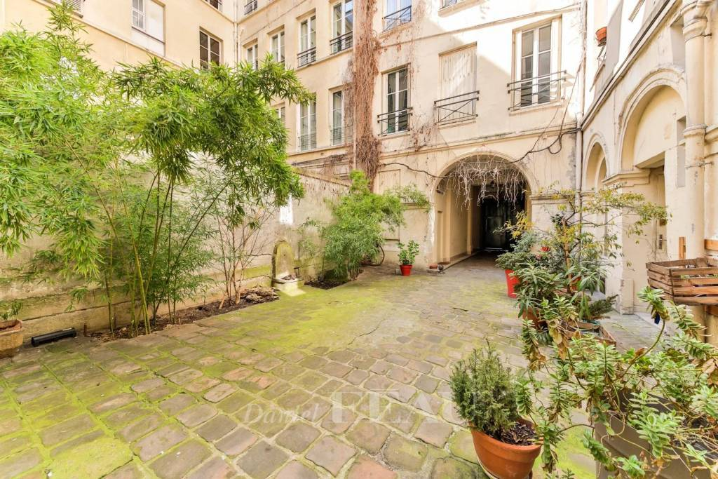 Rental Apartment Paris 9th Faubourg-Montmartre
