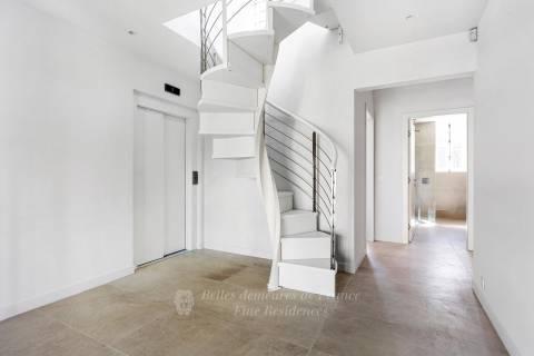Escaliers, ascenseur