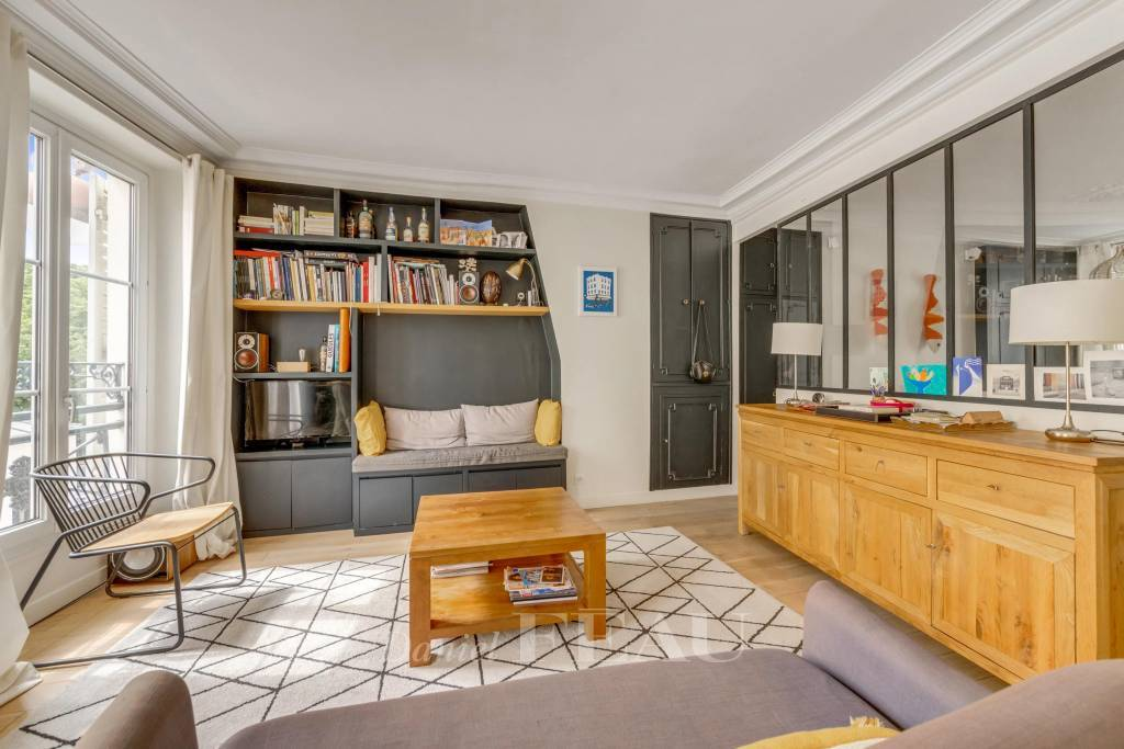 Paris 17th District -  A 3-bed apartment in a prime location