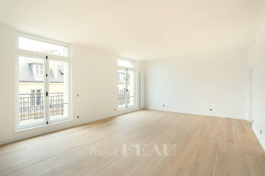 Paris 16th District – A 160 sqm three-bed apartment.