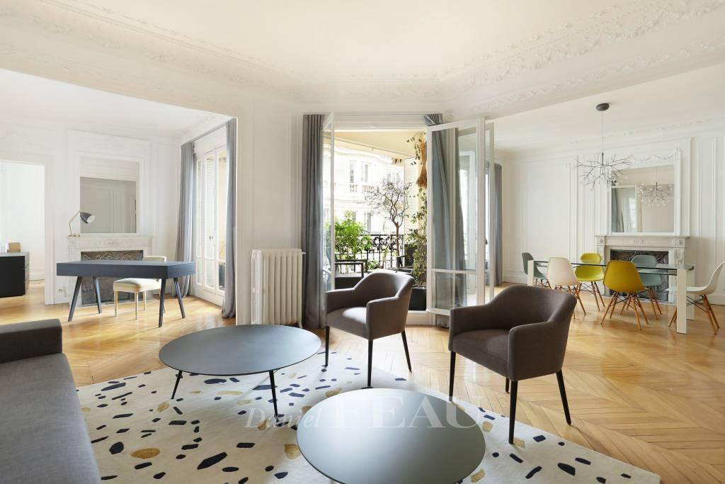 Paris 16th District – A 135 sqm three-bed apartment