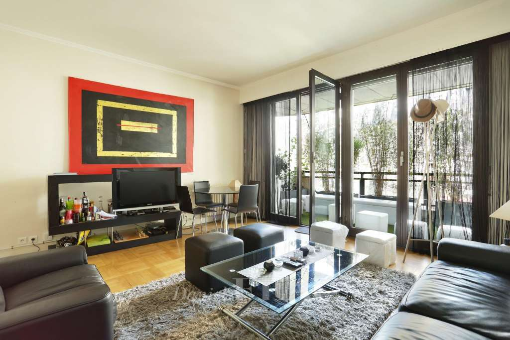 Paris 16th District – A furnished near 60 sqm apartment in a prime location