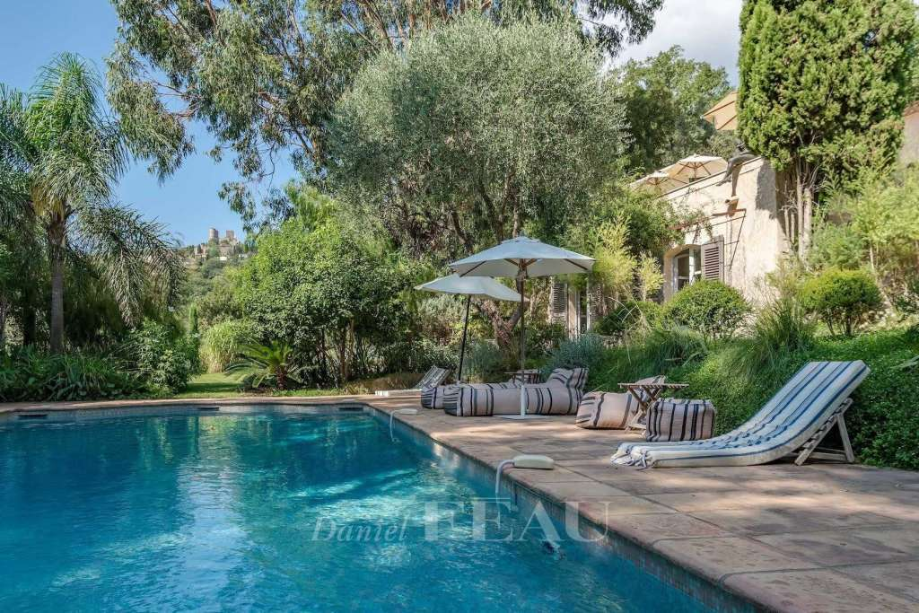 Grimaud – A charming and entirely renovated property