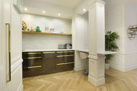 Kitchen Wood floors Stainless steel