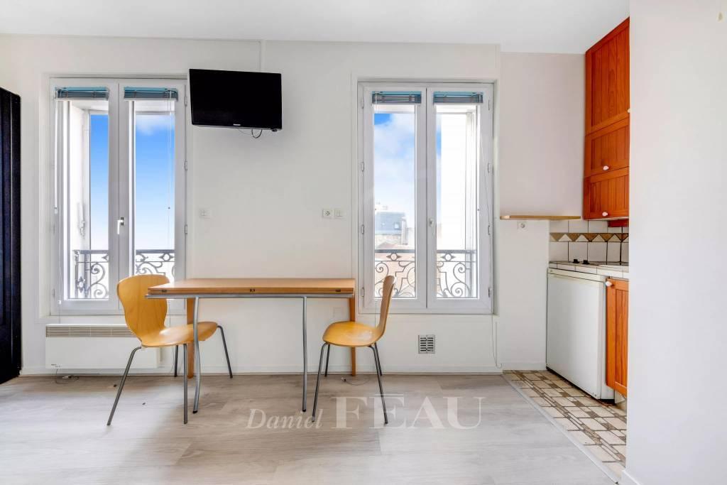 Boulogne-Billancourt  - A studio apartment rented furnished