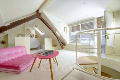Attic bedroom with its own bedroom and terrace access