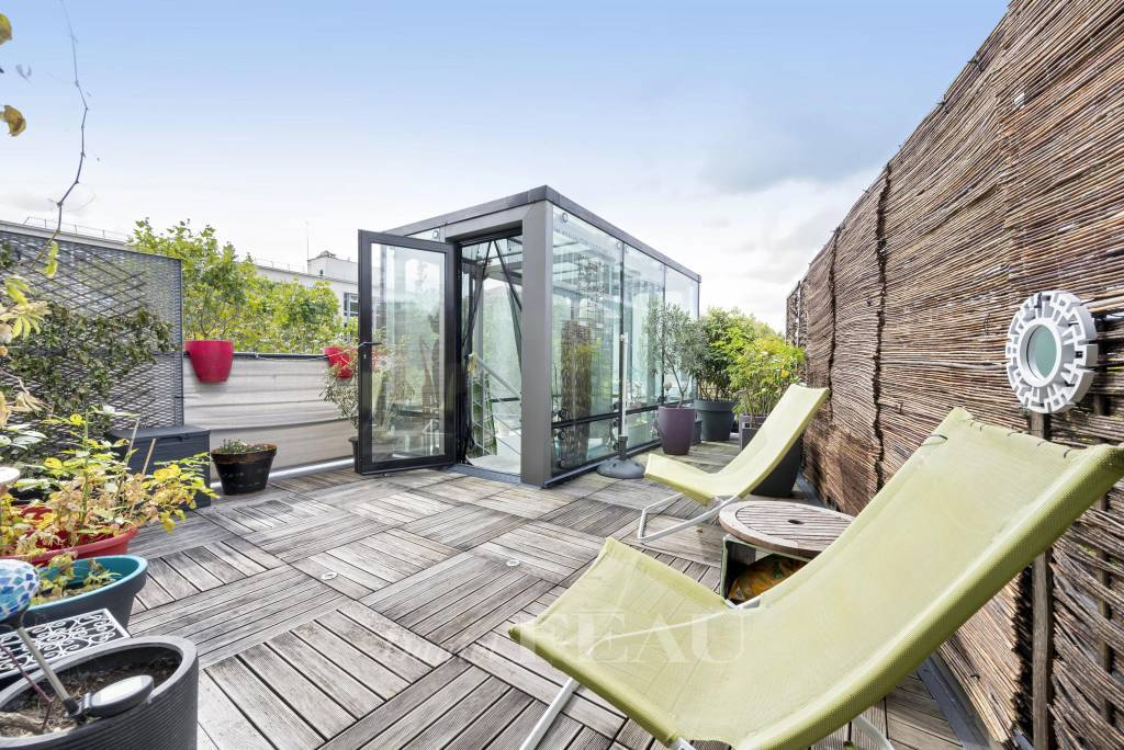 Paris 14th District – A 3-bed property with a roof terrace
