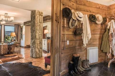 Entrance Wooden floor Tile