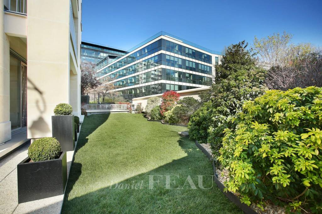Neuilly - Bois - Duplex sur jardin  avec quatre chambres