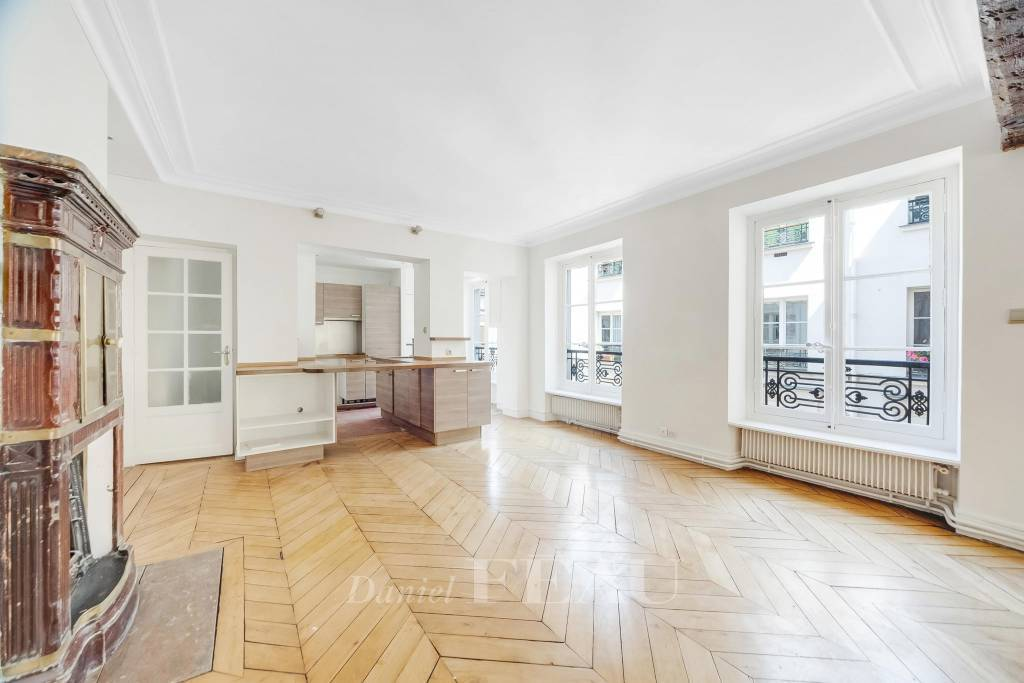 Paris 3rd District – A charming pied a terre in a prime location