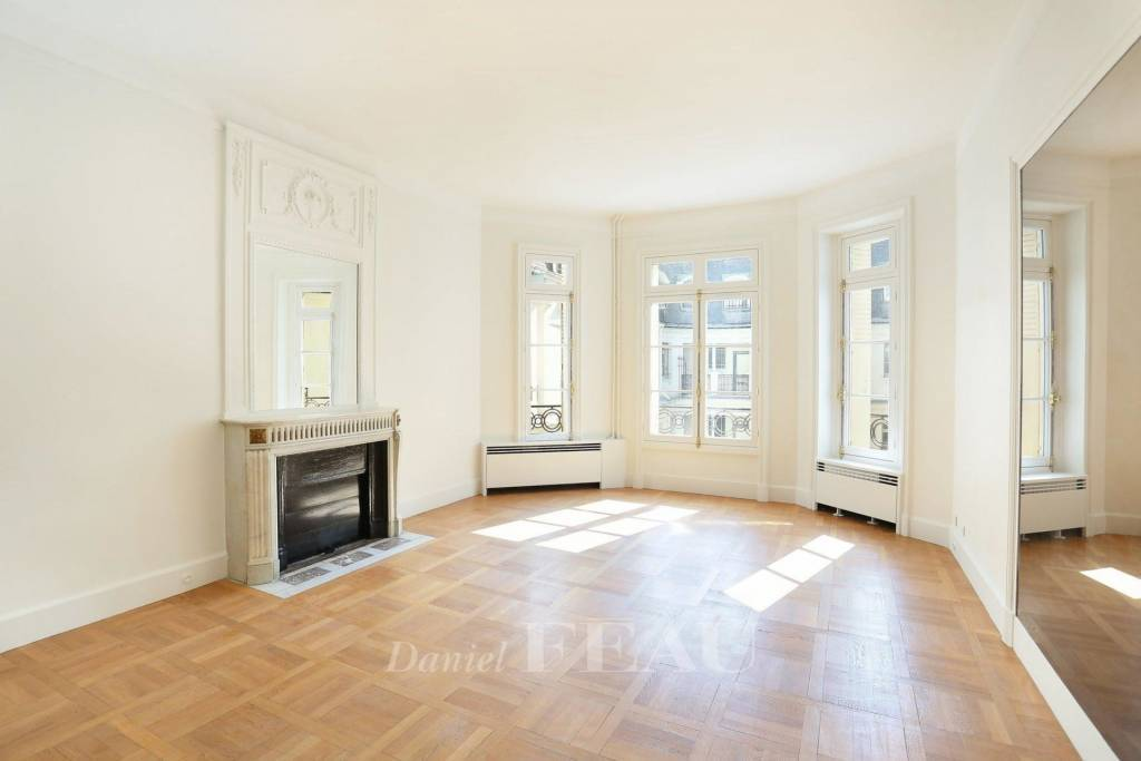 Paris 16th District – A bright and peaceful 124 sqm apartment