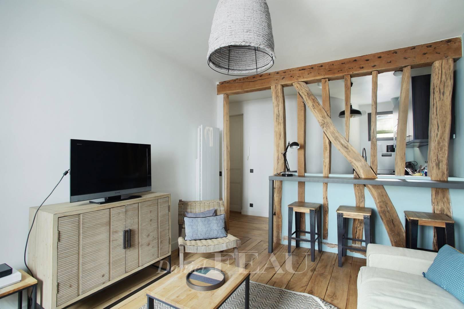 Living-room Wooden floor Kitchen bar High ceiling