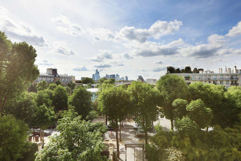 Neuilly-sur-Seine. A two-room top-floor apartment