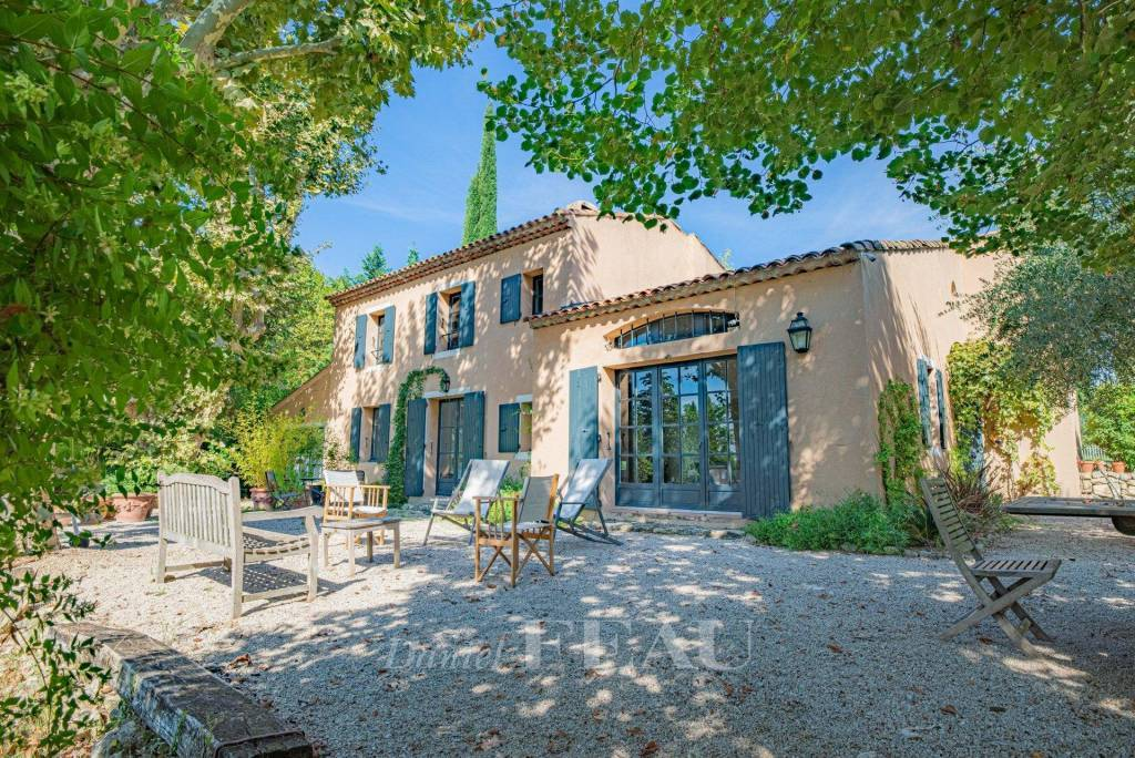 Aix en Provence – A charming property set in about a hectare of grounds