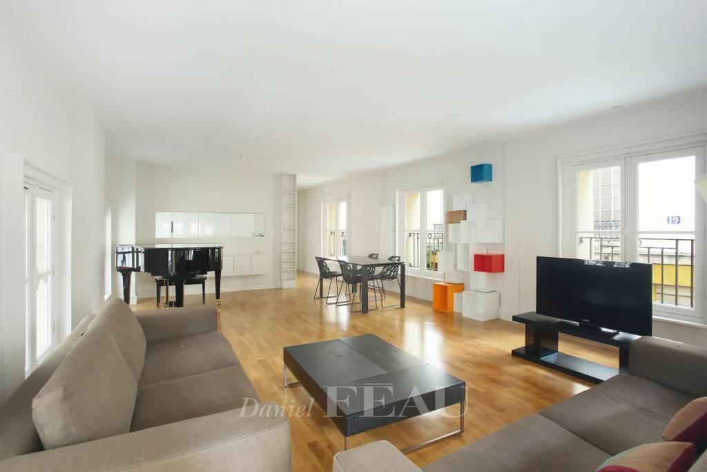 Paris 6th District – A furnished 2-bed apartment in a prime location