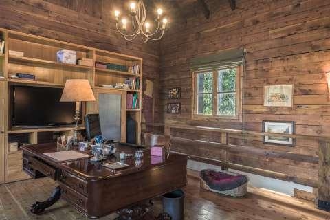 Study Wooden floor Chandelier
