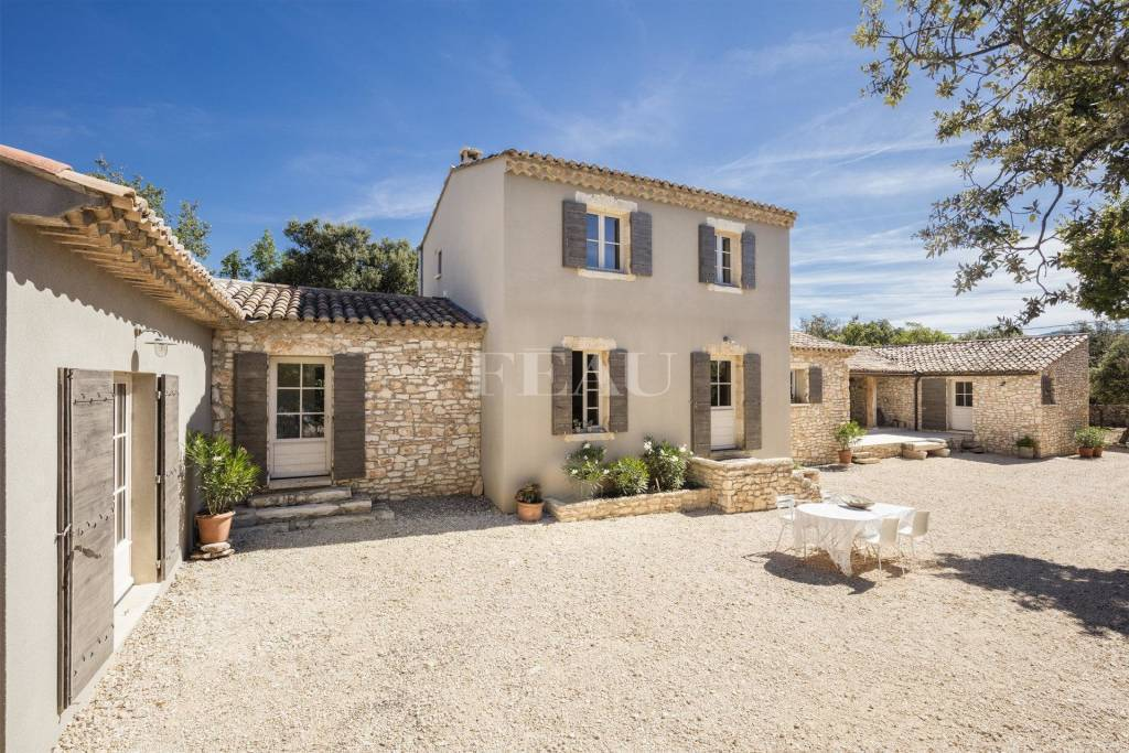 Bonnieux – A contemporary property in walking distance of the village