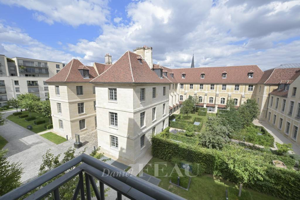 Paris 7th District – A superb 2 or 3 bed apartment in a prime location