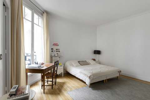 Bedroom Wood floors