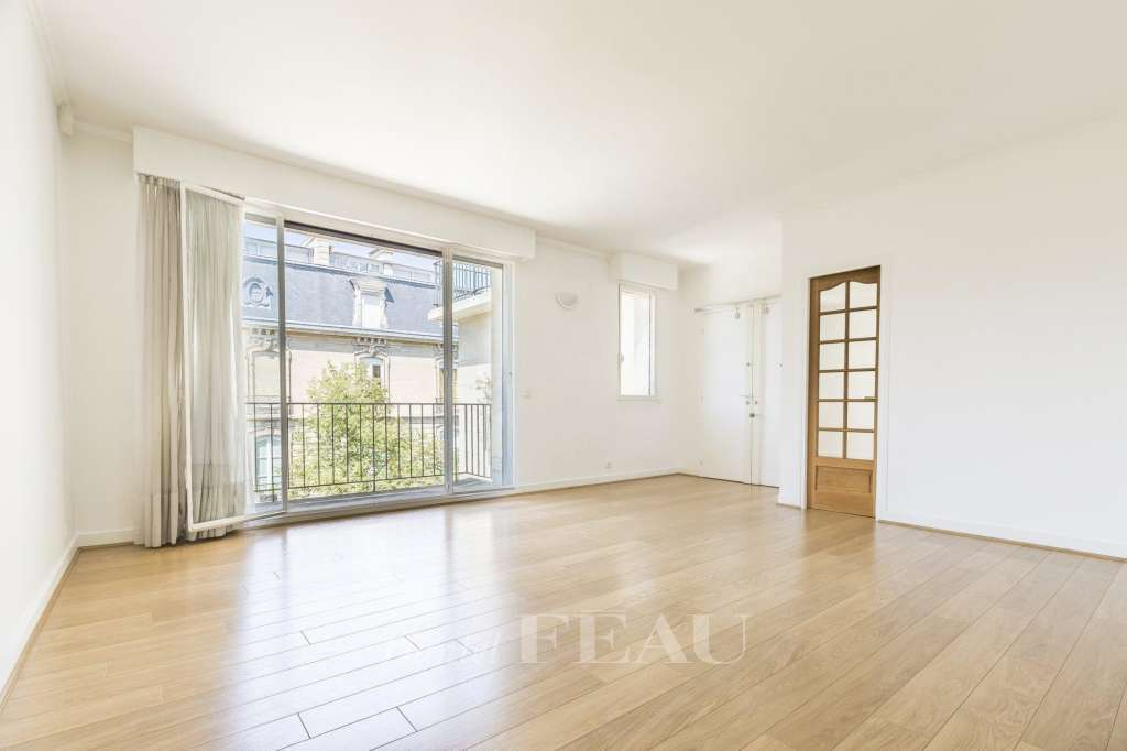 Boulogne. A spacious one-bed apartment