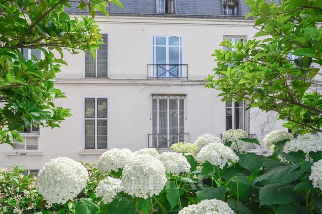 Paris VIIe - Breteuil - Appartement vue jardin