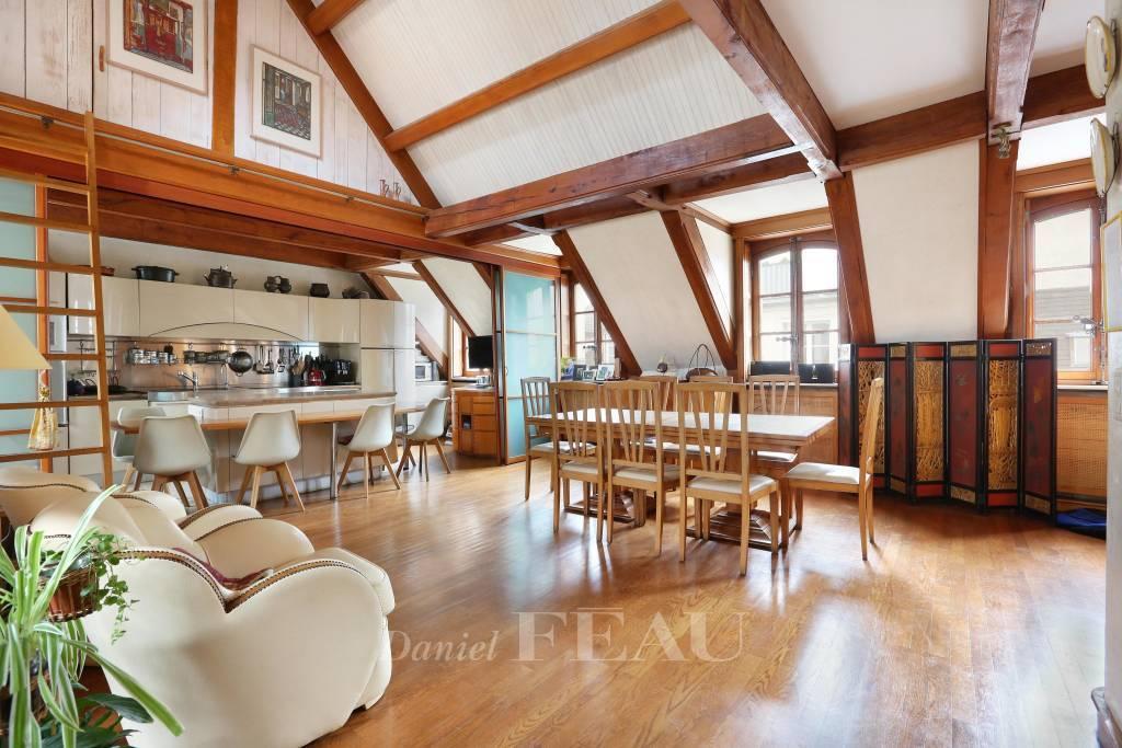 Dining room Wooden floor Kitchen bar
