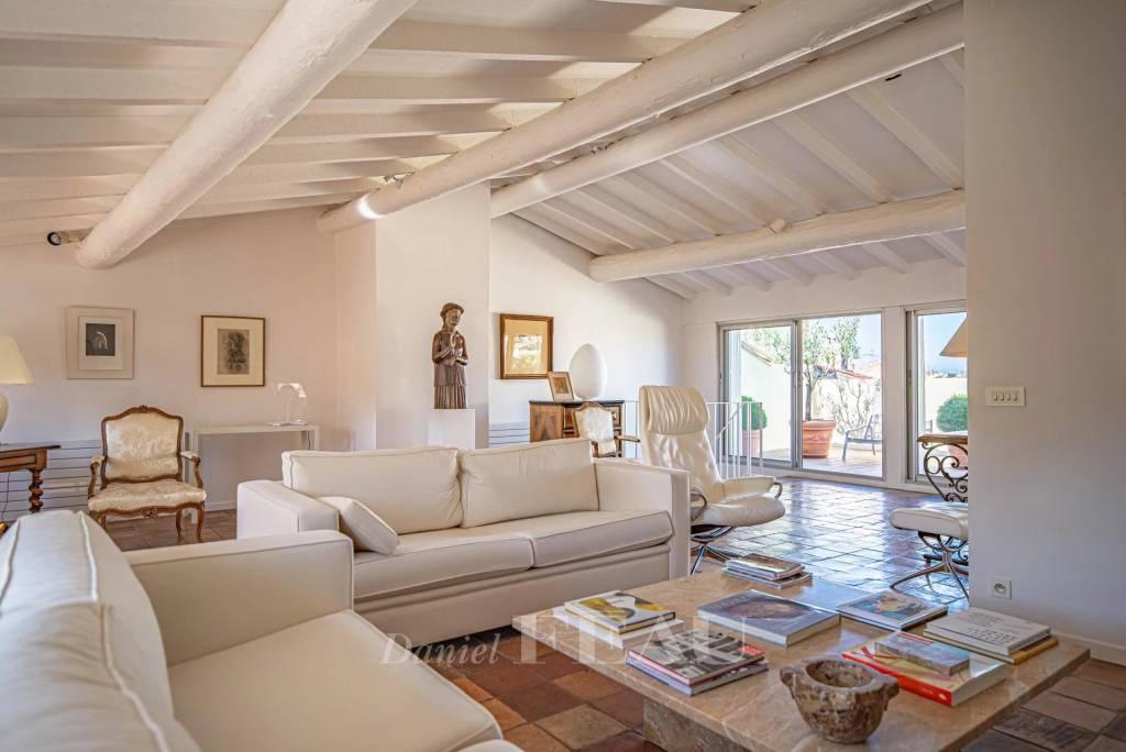 Aix en Provence - Appartement de caractère avec terrasse