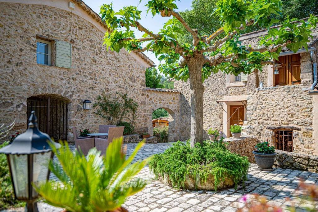 Lorgues – A delightful property in a hamlet