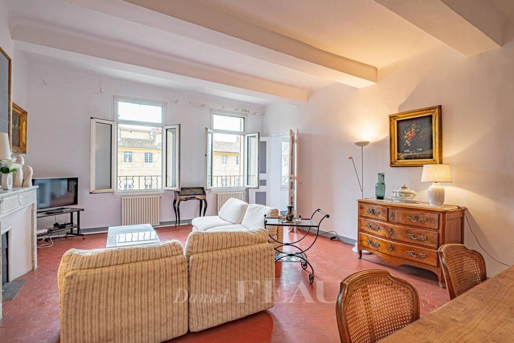 Aix en Provence - Appartement Cours Mirabeau