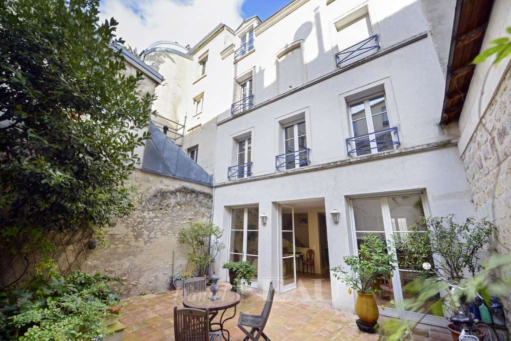 Paris 14th District – A superb period property