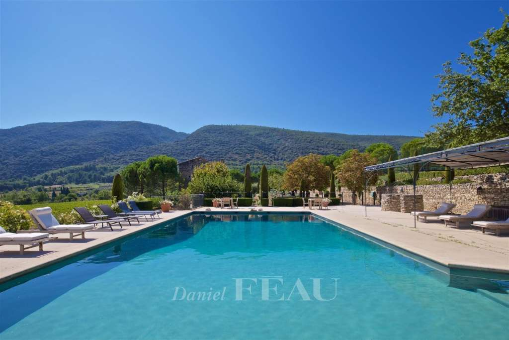 Bonnieux – A property enjoying an exceptional view