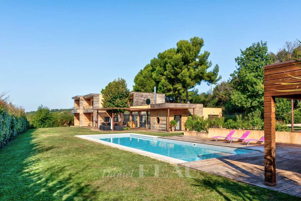 Aix en Provence – A contemporary property