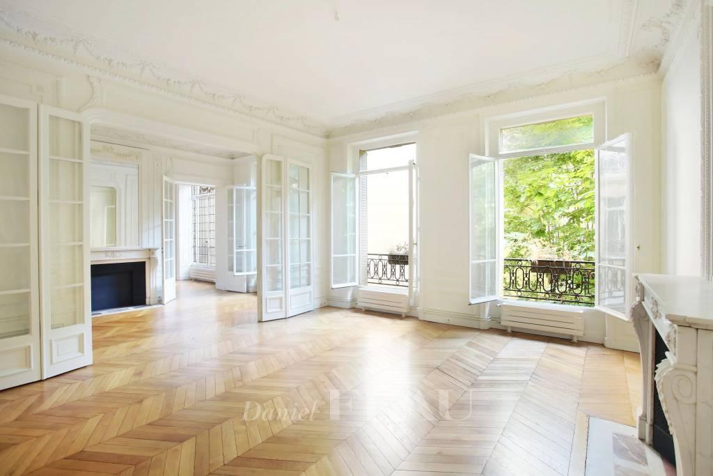 Rental Apartment Paris 5th Val-de-Grâce