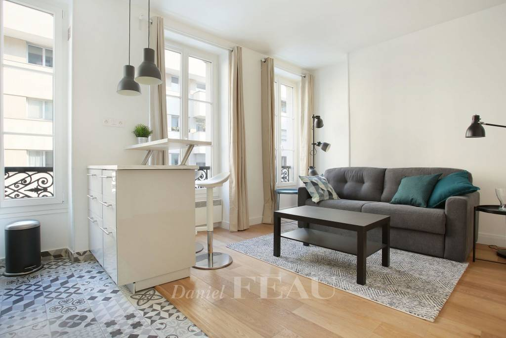 Paris 7th District – A three-room apartment rented furnished