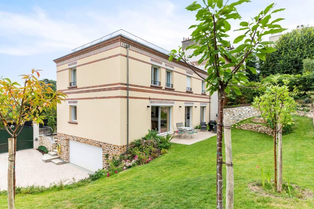 Saint-Cloud - Val d'Or - Maison neuve.