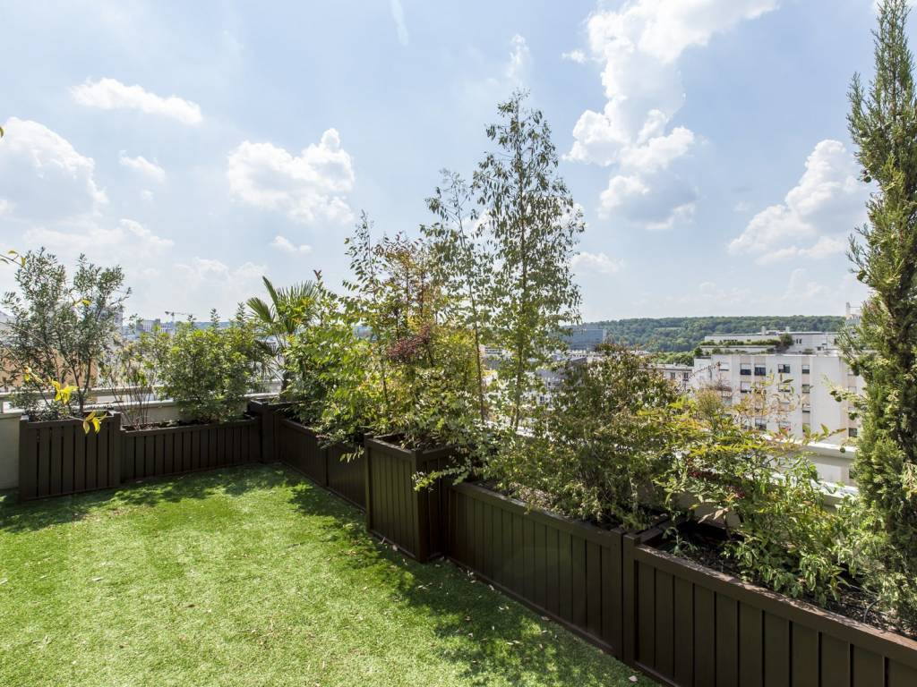 Boulogne-Billancourt – A 3-bed apartment with a terrace.