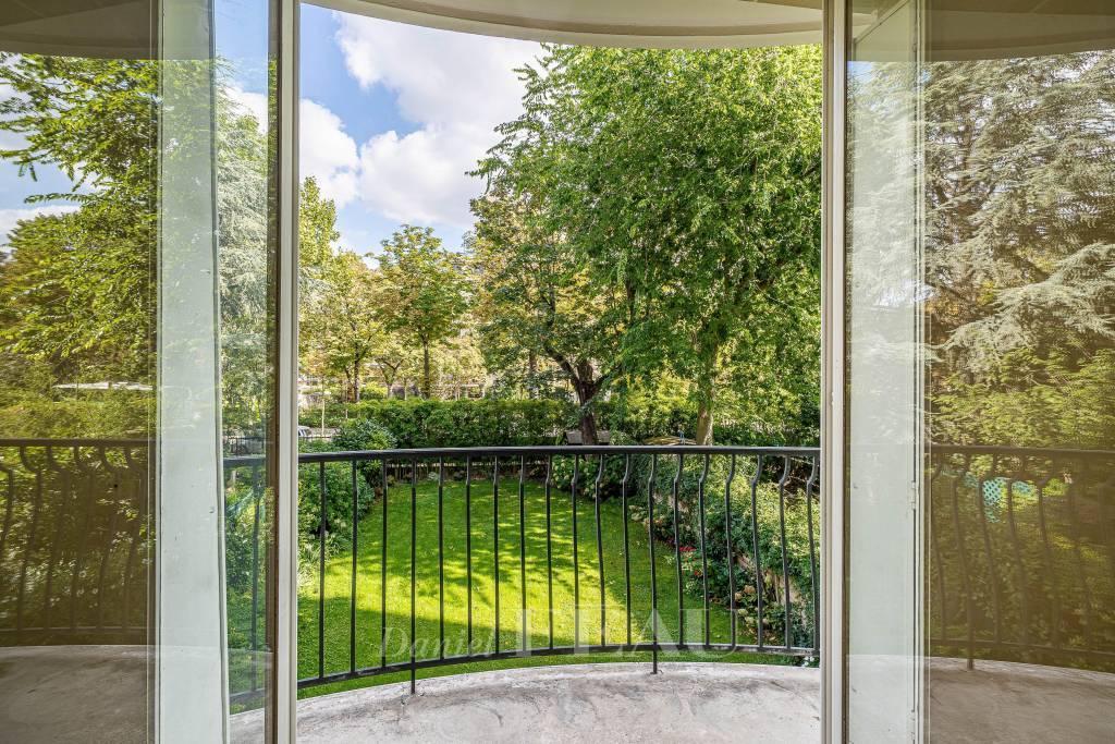 Neuilly - Pasteur - Très jolie vue sur jardin