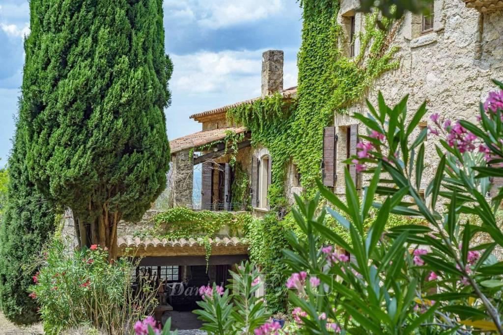 Salon de Provence - Propriété et son domaine