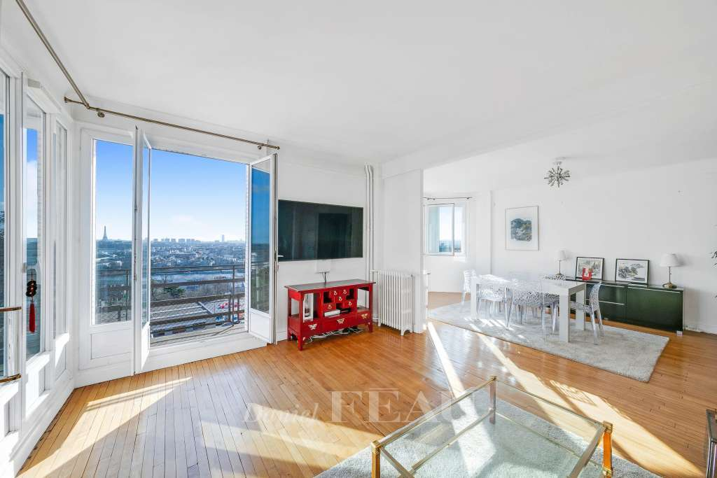 Saint-Cloud. A  spacious 3-bed apartment