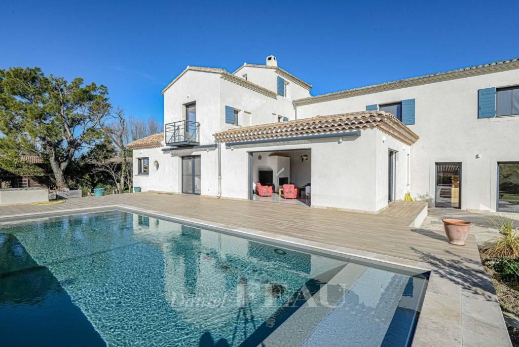 Alpilles – A superb contemporary property