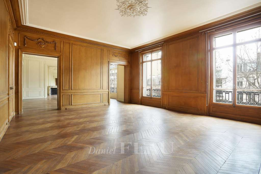 Paris 7th District – A magnificent apartment near the Pont d'Alma