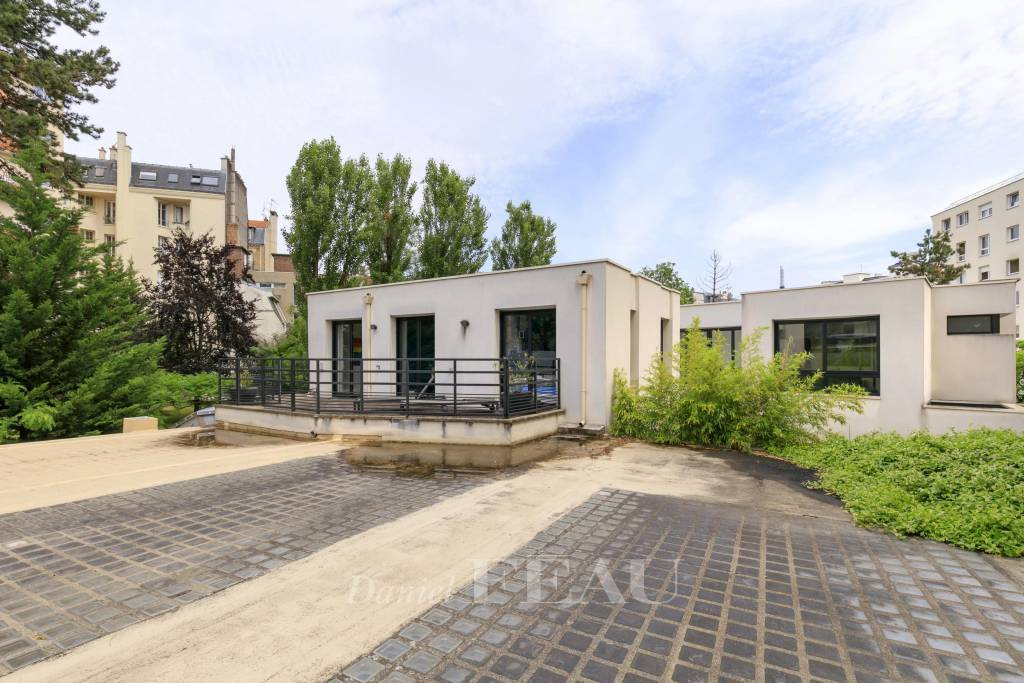 Boulogne – A recent 4-bed contemporary property