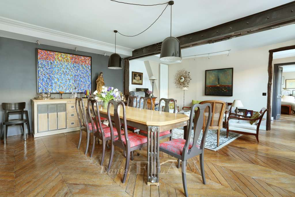 Dining room Wood floors