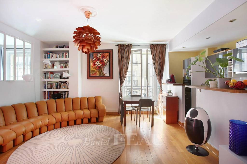 Paris 16th District – A renovated pied a terre